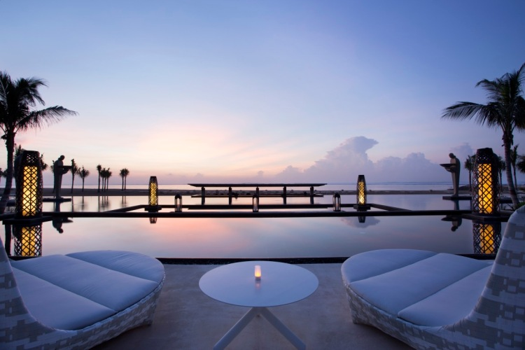 Mulia-Resort-Ocean-Pool-e1417039685389